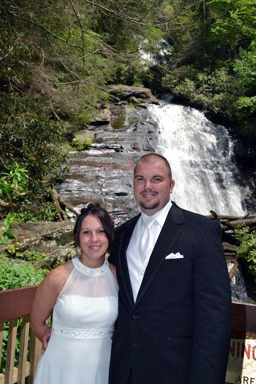 Anna Ruby Falls - Waterfall Wedding