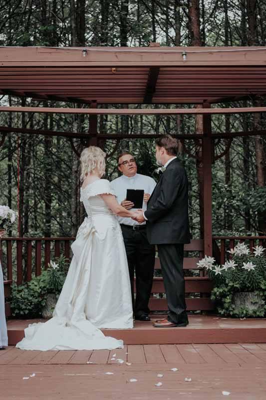 Outdoor Wedding Venues in North Georgia | Queen's Deck ...