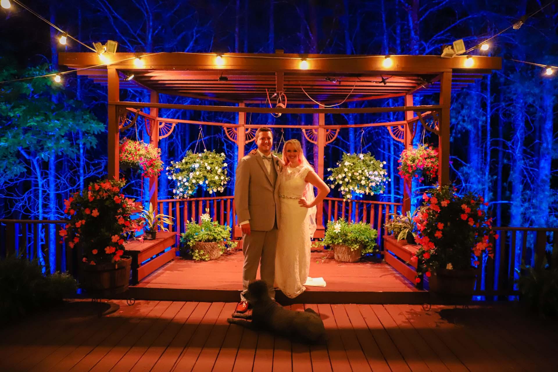 Outdoor Wedding Venues In North Georgia Queen S Deck Ceremonies
